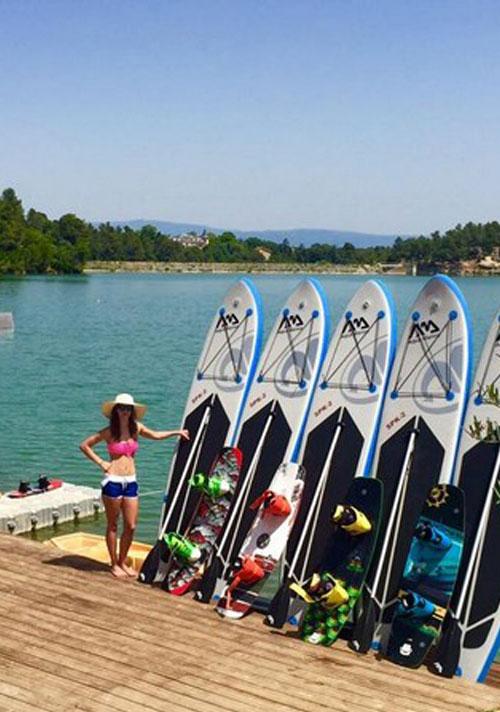 activite-exterieure-parc-aquviva-paddle-board-lac-de-la-cavayere